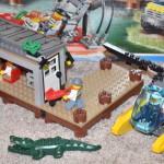 Lego City 60068 - skrýš s krokodýlem