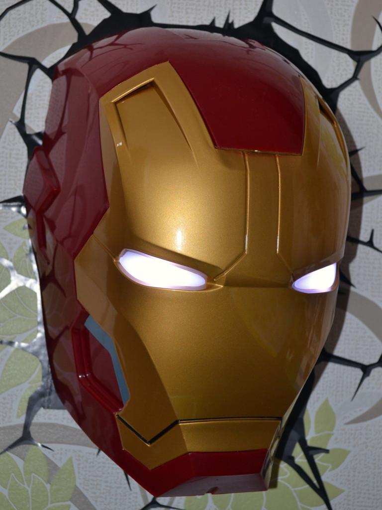 Iron Man - rozsvícené oči Marvel Philips