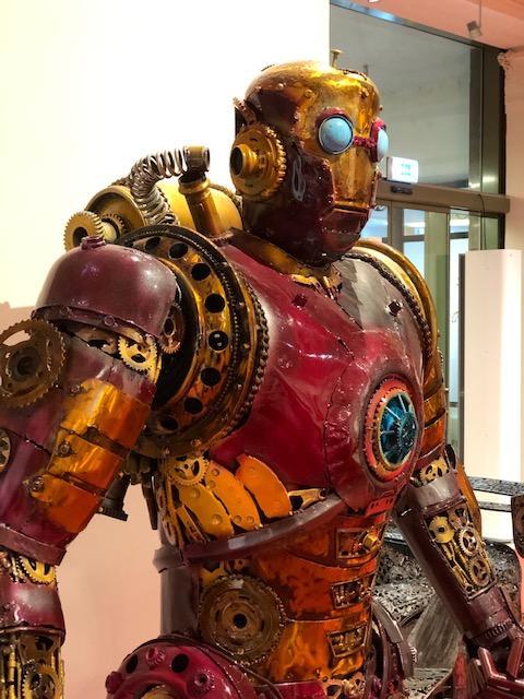Galerie ocelových figurín IronMan